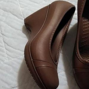 Crocs Brown Rubber Heels Shoes 7 Women